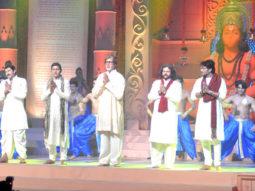 Photo Of Manoj Tiwari,Aadesh Shrivastav,Amitabh Bachchan,Hans Raj Hans From The Bachchans launch 'Hanuman Chalisa' album