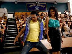 Movie Still From The Film Desi Boyz,Akshay Kumar,Chitrangda Singh