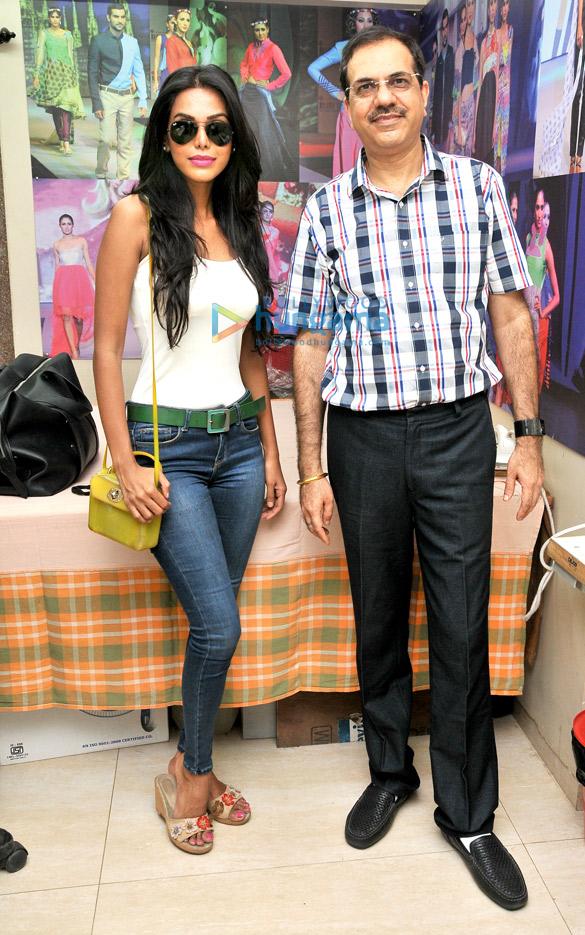 Natasha Suri, Vivek Dhawan
