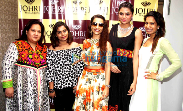 Akanksha Singh, Tia Bajpai, Sarita Patel