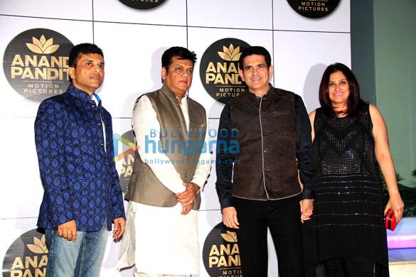Anand Pandit, Omung Kumar, Vanita Omung Kumar