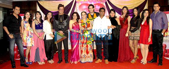 Rajesh, Shakti Kapoor, Navni Parihar, Aksha Pardasany, Kashyap, Sachindra Sharma, Hiya Singh, Sagarika, Nancy, Dr Ashish
