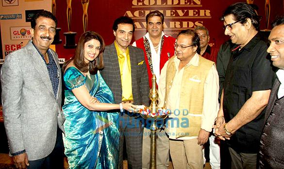 Abhishek Bachchan, Varsha Usgaonkar, Dheeraj Kumar, Surendra Pal, Rakesh Bedi, Anil Dhawan