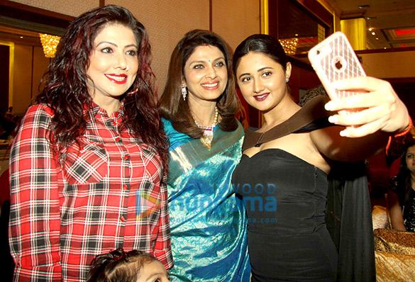 Tinaa Ghaai, Varsha Usgaonkar, Rashmi Desai