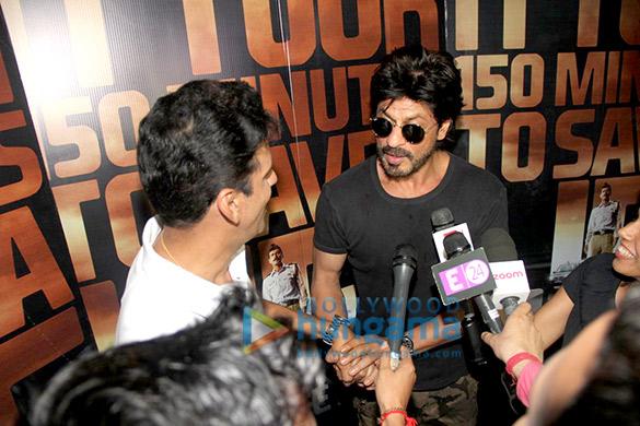 Manoj Bajpayee, Shah Rukh Khan