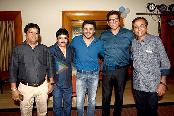 Kaushik Goon, Kingshuk Goon, Sameer Soni, Mukesh Rishi, Sunanda Mitra