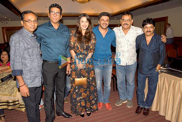 Sunanda Mitra, Mukesh Rishi, Hrishita Bhatt, Sameer Soni, Mushtaq Khan, Kingshuk Goon