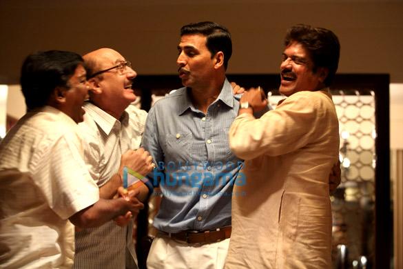 Anupam Kher,Akshay Kumar