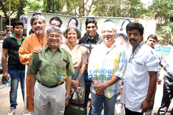 Amol Palekar, Sandhya Gokhale, Sandeep Pathak, Vijay Kenkre, Upendra Limaye