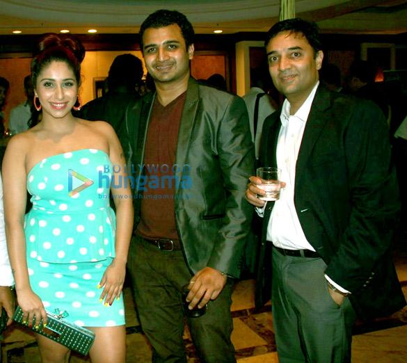 Neha Bhasin, Kartik Nishandar, Arjun Baran Singh