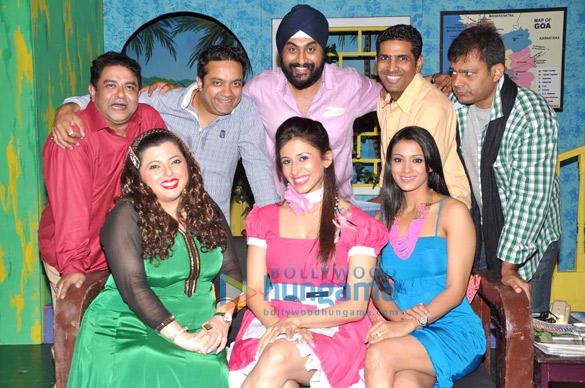 Ashish Roy, Delnaaz Paul, Balwinder Singh Suri, Paritosh Painter, Barkha Bisht, Nasir Khan