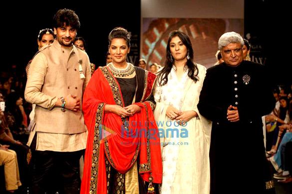 Vijay Golecha, Shabana Azmi, Roopali Golecha, Javed Akhtar