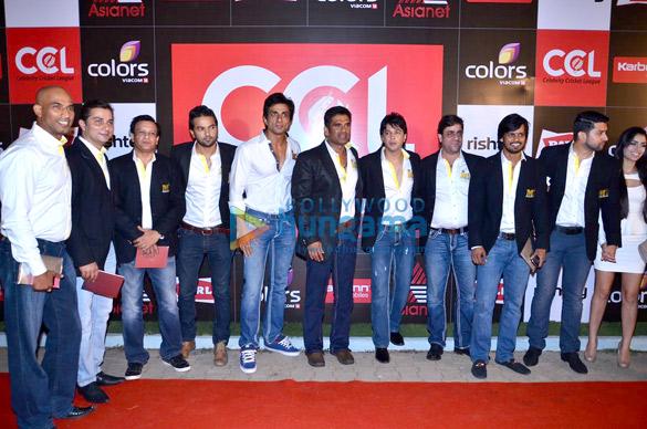 Jeetu Verma, Varun Badola, Sonu Sood, Suniel Shetty, Aftab Shivdasani, Afsana Shivdasani
