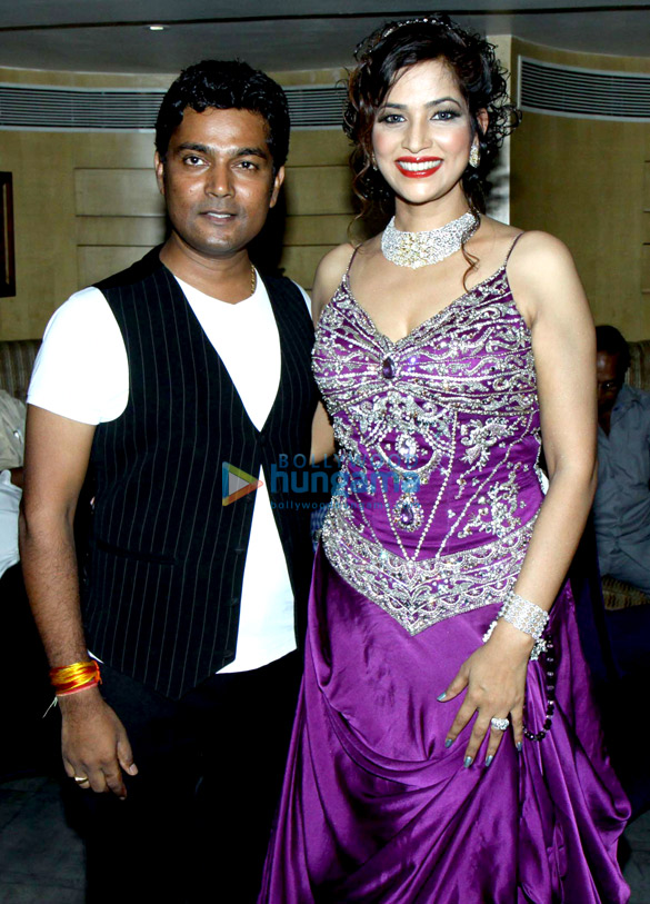 Naveen Prabhakar, Tanisha Singh