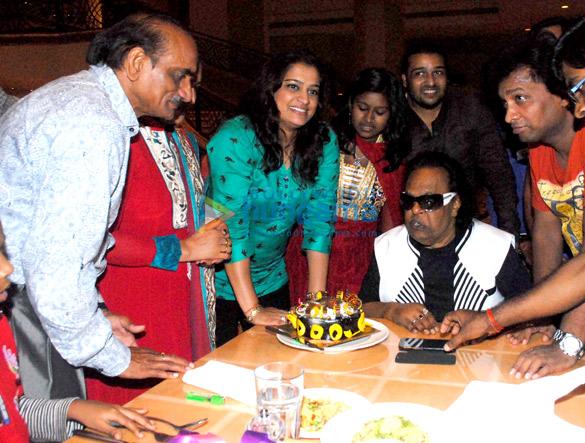 Hirachand, Bharti, Ekta Jain, Sanchiti Sakat, Shabab Sabri, Ravindra Jain, Sunil Pal