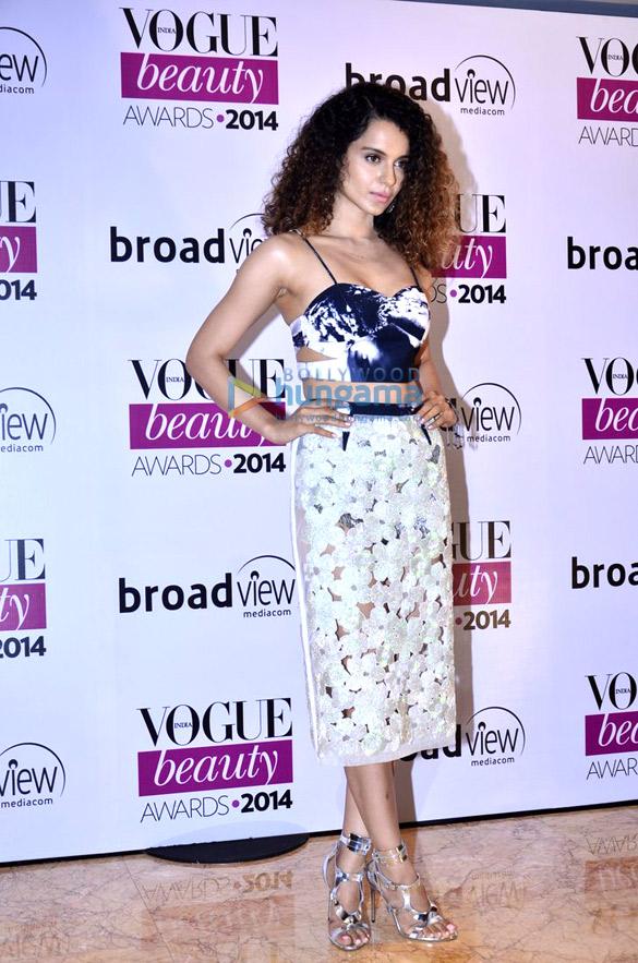 Kajol, Parineeti, Sidharth, Shilpa & others at 'Vogue Beauty Awards 2014'