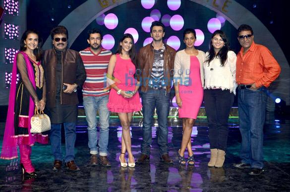 Sharon Prabhakar, Shravan, Aslam Khan, Richa Shrivastava, Nishant Malkani, Mugdha Godse, Tanya Abrol, Sameer Sen