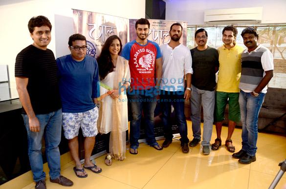 Mangesh Hadawale, Ravi Jadhav, Veena Jamkar, Arjun Kapoor, Laxman Utekar