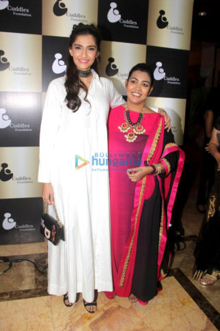 Sonam Kapoor graces 'Cuddles Foundation' fundraiser