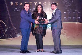 Aashish Rego, Zeenat Aman, Allen John