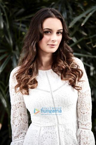 Celebrity Photos Of The Evelyn Sharma