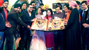 Daler Mehndi launches Mika Singh's new single 'Sohniye – The Gorgeous Girl'