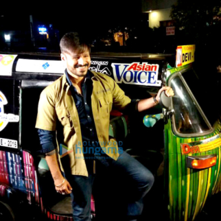 Vivek Oberoi Rides Auto Rickshaw For Charity Parties
