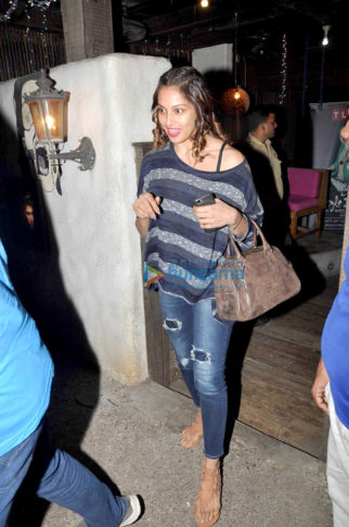 Bipasha Basu snapped post salon session at Hakim's Aalim
