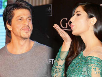 Shah Rukh Khan's Bathtub Entry, Katrina Kaif's HOT Dance Moves At Lux Golden Rose Awards 2016