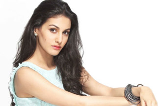 Rajinikanth's Movies Do So Well Because... Amyra Dastur  vid
