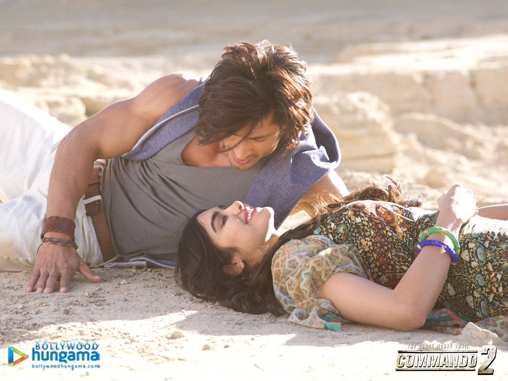Commando 2 Wallpaper: Commando-2-4-4 - Bollywood