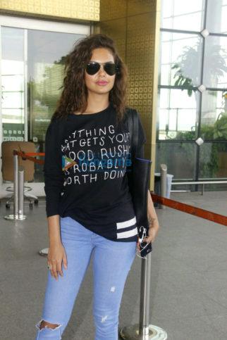 Esha Gupta & Adah Sharma snapped at the airport