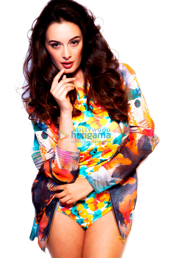 Celebrity Photos of Evelyn Sharma