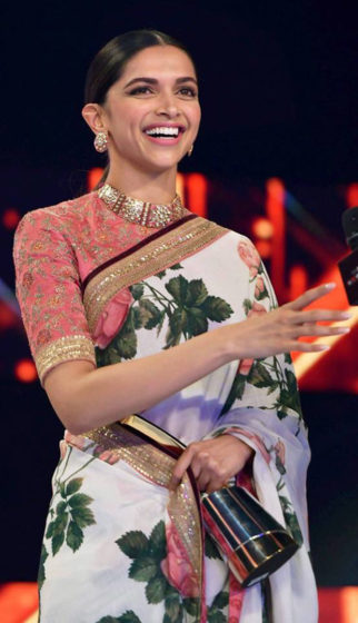 WOW Deepika Padukone honoured with Entertainment Leader Of The Year award