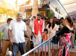 Abhishek Bachchan, Aishwarya Rai Bachchan visit Siddhivinayak temple on their wedding anniversary