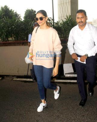 Sonam Kapoor, Deepika Padukone, Neha Dhupia and Kanika Kapoor snapped at the airport