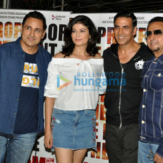 Akshay Kumar and others grace the screening of 'Mirror Game'