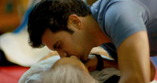 Rajkummar Rao accidentally kissed this veteran actress while performing a CPR scene in Behen Hogi Teri-1