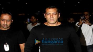 Salman Khan, Karan Johar, Sonam Kapoor, Sunil Shetty and Anil Kapoor snapped at the airport