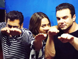 Sonakshi Sinha recreates Tubelight pose with Salman Khan and Sohail Khan