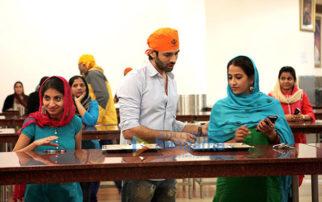This scene from Guest Iin London was taken from Kartik Aryan and Kriti Kharbanda's real life-1