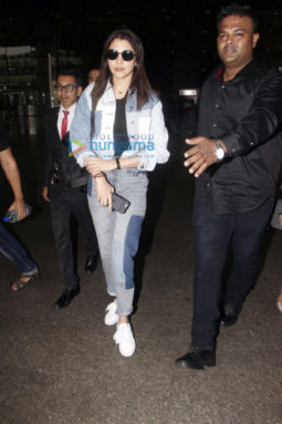 Anushka Sharma snapped while arriving back from New York