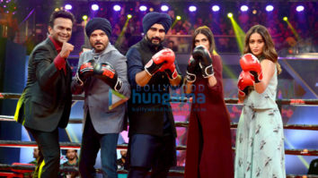 Mubarakan team promote their film on Super Boxing League