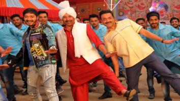 Sunny Deol, Bobby Deol, Shreyas Talpade shake a leg to Daler Mehndi's Kudiyan Shehar Diyan in Poster Boys