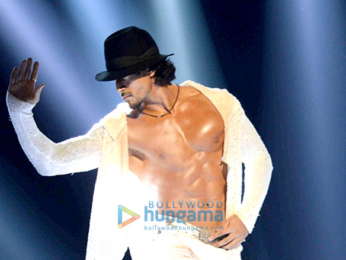 Tiger Shroff showcases his dance moves at the Michael Jackson tribute show⁠