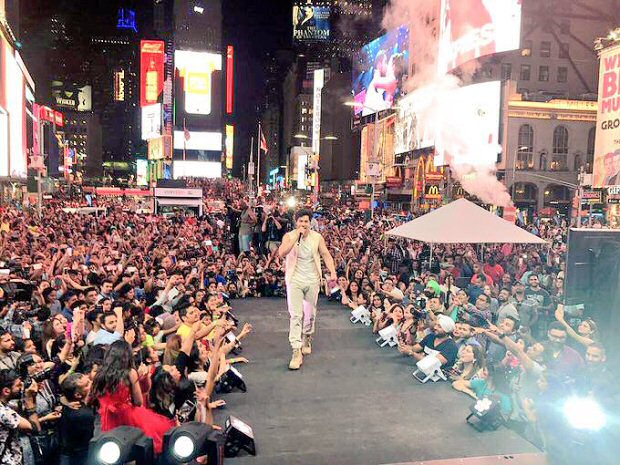 WATCH Varun Dhawan sets the stage on fire with 'Tamma Tamma Again' at Times Square1