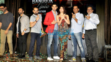 Sidharth Malhotra & Jacqueline Fernandez launch 'Bandook Meri Laila' song from A Gentleman