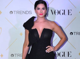 SIZZILING Sunny Leone OPENS UP About Her Daughter | Vogue Beauty Awards 2017