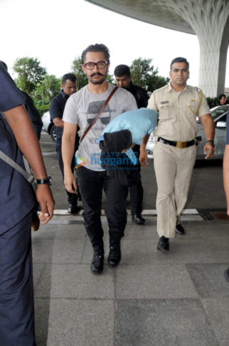 Aamir Khan, Kareena Kapoor Khan, Irrfan Khan snapped at the airport