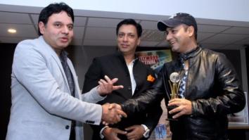 Bollywood Hungama's Faridoon Shahryar Wins An Award For His Journalism  Bollywood Fest Norway